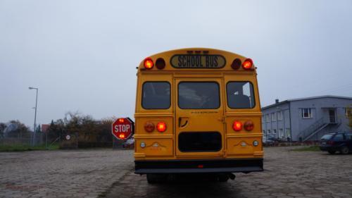 school-bus-freightliner-2001[2]